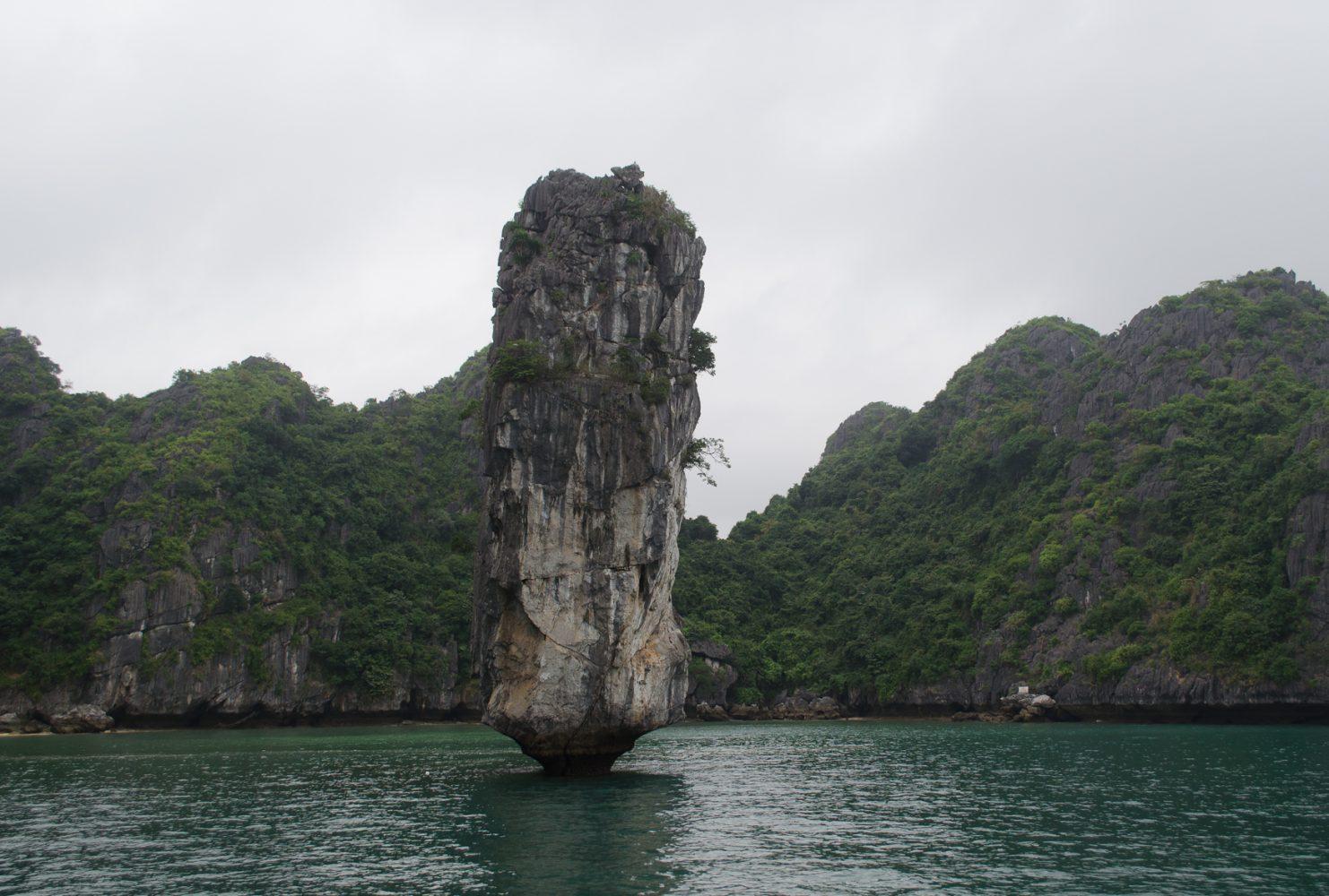 За годы вода сточила скалы